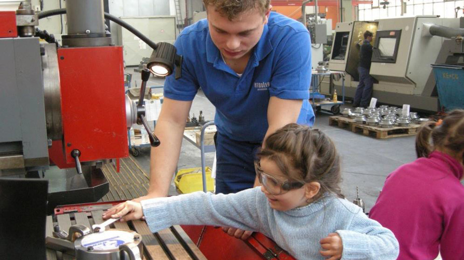 Building Interest In Manufacturing at an Early Age