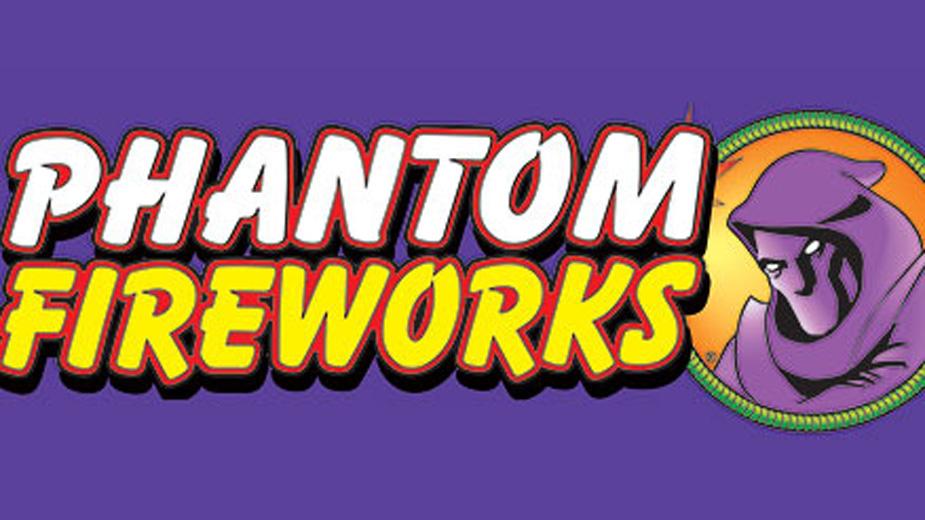 Phantom Fireworks Gives $100K to YSU Scholarship Fund