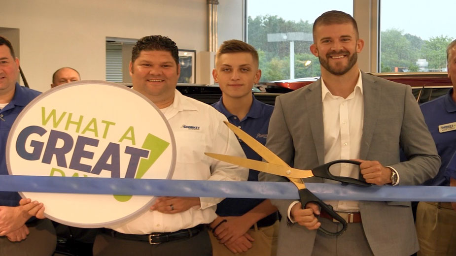 Shorkey Auto Group Cuts Ribbon in Austintown