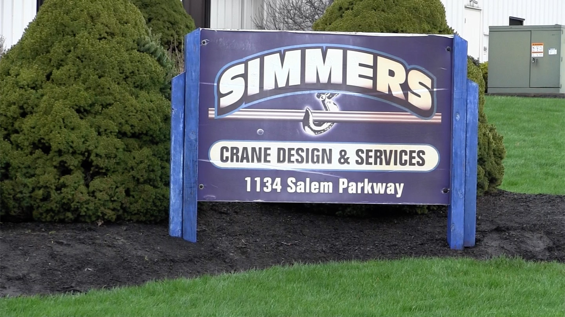 Simmers Crane Design & Services Pulls Employees From YSU