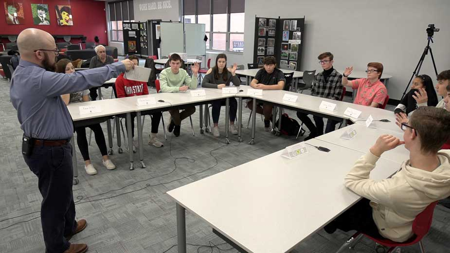 Salem Students Look to Leave Small Town